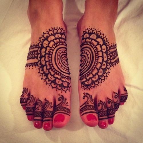 Henna Tattoo - Mounira's Mansion